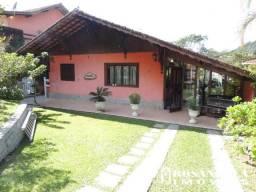 Locação - Casa em condomínio em Teresópolis no bairro Comary