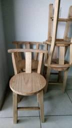 4 Cadeiras de madeira natural