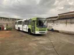 Ônibus urbano ano 2006/6 Mercedes 1722
