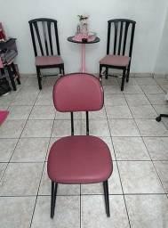 Cadeiras de secretária e outras. Ver descrição no anúncio