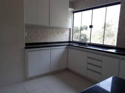 Apartamento NOVO, 2 quartos,acabamento em porcelanato e blindex, excelente localização