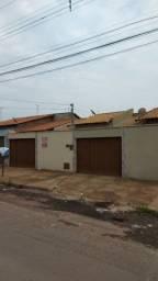 Ótima casa no Village Garavelo II - 02 Quartos 1 suite