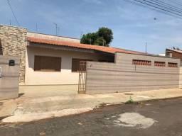 Casa de Alvenaria região central de Arapongas-Pr