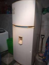 Vendo essa geladeira duplex 480 litros