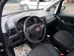 Fiat Idea Attractive 1.4 Flex 2013