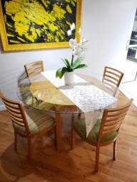 Mesa maciça 4 cadeiras
