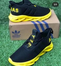 Adidas Maverick preto e amarelo