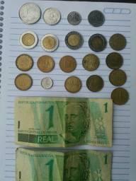 Diversas notas e moedas antigas