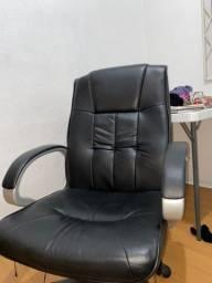 Cadeira presidente com massagem