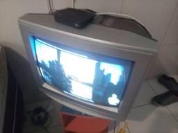 Vendo esta e tv grande junto com conversor