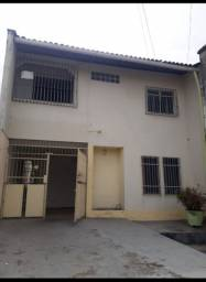 Casa no São Francisco com 4 quartos/3 suítes(Aluguel-R$ 2200)