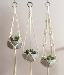 Suporte de plantas em Macramê
