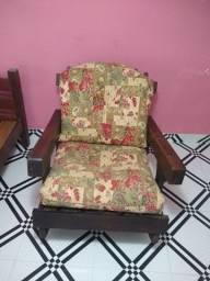 Cadeira de balanço com almofadas
