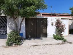 Casa novíssima em Itaitinga!