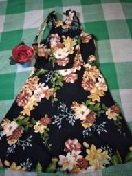 Vendo um vestido bem conservado muito lindo