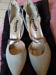 06 sapatos semi novos