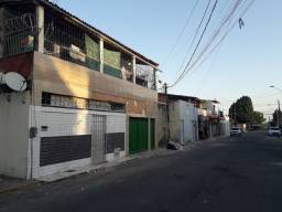 Vendo casa na rua Dr. Periguari Bairro  Antônio Bezerra