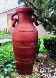 Kit composto por 7 vasos de cerâmica para jardim