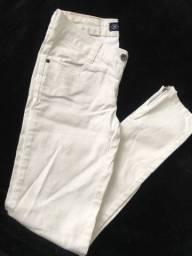 Calças jeans diferentes marcas