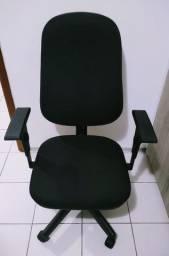 Cadeira Job Diretor Giratória Ergonômica Back System NR-17 Em Crepe Preta