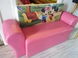 Sofá baú 2 lugares infantil R$150