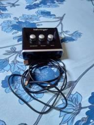 Interface De Áudio Behringer U-phoria Um2 Usb-Aceito