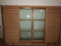 Janela com todos os vidros