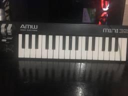 Controlador MIDI AMW MINI 32