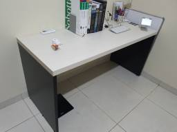 Mesa de estudo em mdf