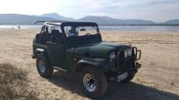 Jeep Willys 4x4 Ford em otimo estado Carro muito bom!