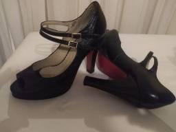 Sapato semi novo! N.36 por 45 Reais