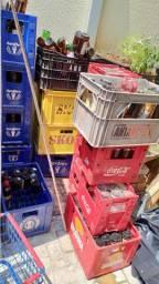 Vasilhames e caixas Cascos Coca e cerveja