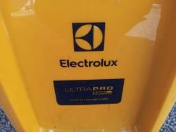 Lavadora de alta pressão Electrolux   250,00 reais