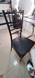 04 cadeiras em Acrílico preto - Estilo Tiffany