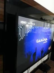 Tv digital grande LG con suporte de parede novo na cx e contorle