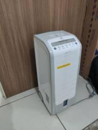 Climatizador de ar Electrolux Semi novo com Controle Remoto