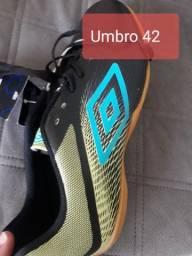 Tênis Umbro 42 R$ 80,00