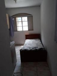 Quarto com banheiro e cozinha mobiliado 600 metros do metro Sé e Liberdade