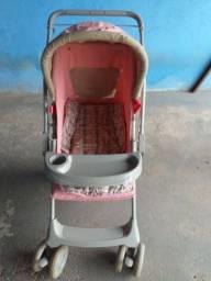 Carrinho de bebê menina e bebê conforto