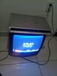 Vendo tv e um bvd em perfeito estado