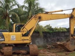 Escavadeira  hidráulica  Pc200