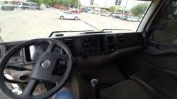 Troco caminhão em picape