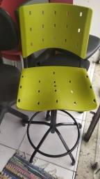 Cadeira alta para caixa, portaria e etc.