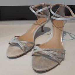 Sandália brilhante