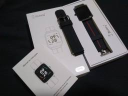 Smartwatch com GPS na caixa