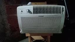 Ar condicionado 7500 BTUs 550 reais