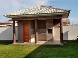 Linda casa em Itaipuaçú com churrasqueira!!!!