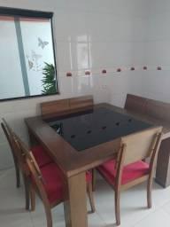 Vendo mesa de madeira 8 cadeiras