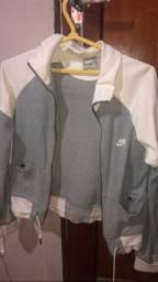 casaco original nike pouco usado