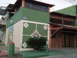 Casa muito boa em Sepetiba com garagem em rua principal.